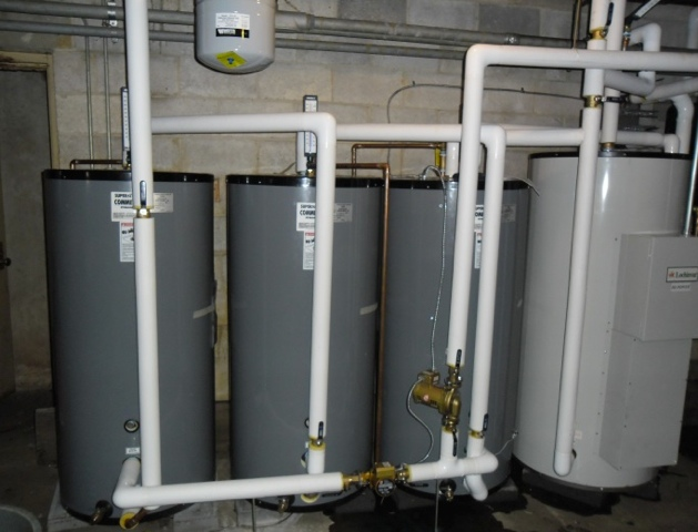 multiple pressurised solar tanks